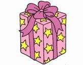 Presente envolvido em papel de estrelas