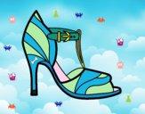 Sapato de salto alto com dica descoberta