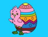 Garota simpática com ovo de Páscoa