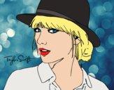 Desenho Taylor Swift com chapéu pintado por Craudia