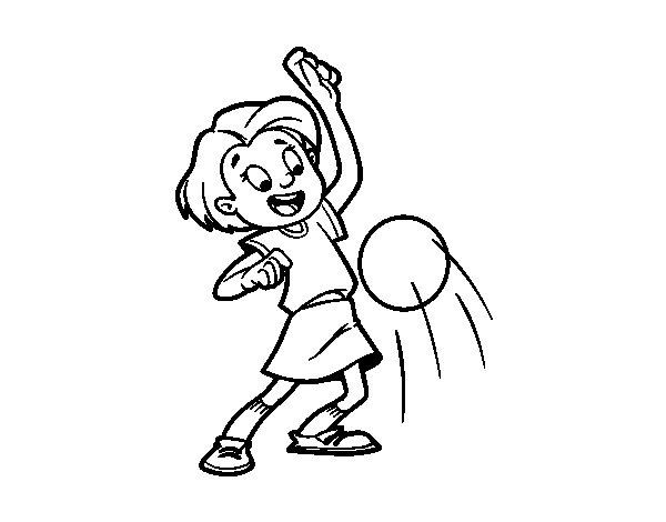 Desenho de Menina a chutar a bola para Colorir